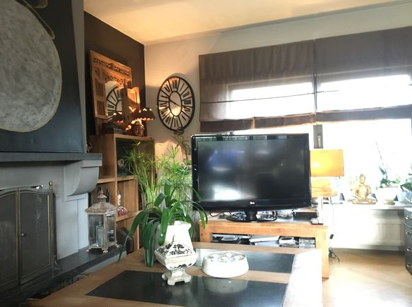 Tv Meubel Velasco.Cosi Relaxing House Brussels Capital Of Europe Ambassador Of